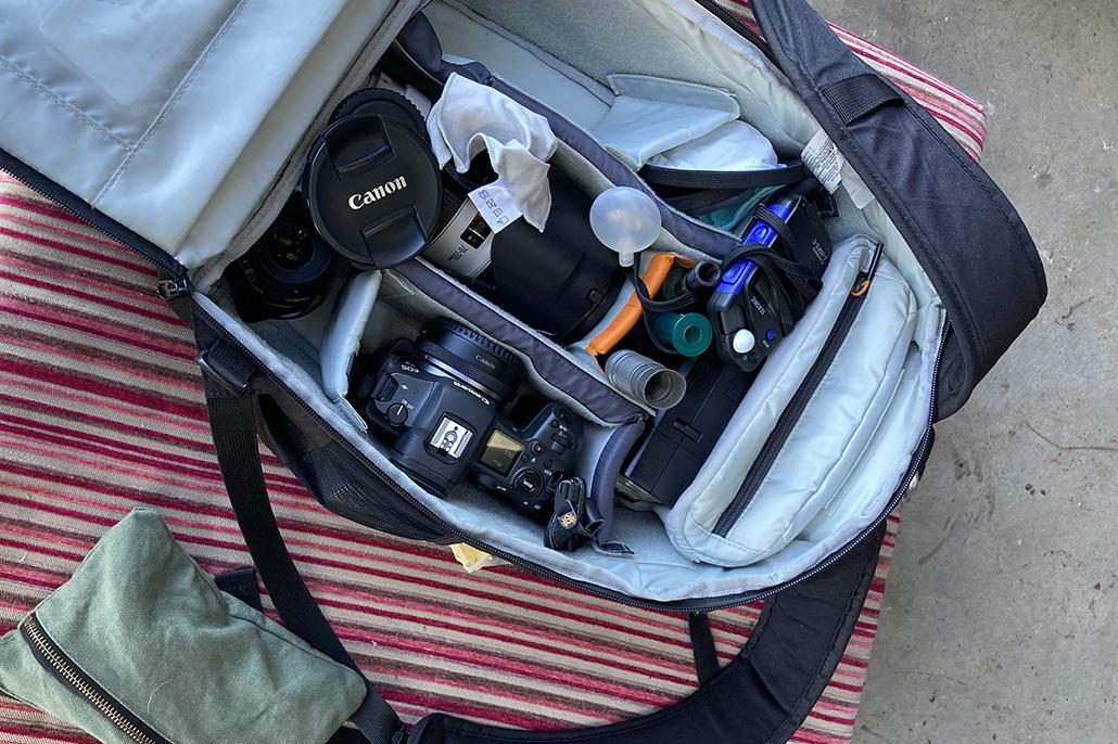 Top 15 tools in this pet photographer's camera bag. Camera Bag Internal