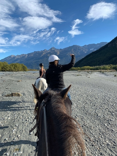 Dog Photography Retreat QueenstownHorse Riding near Glenorchy